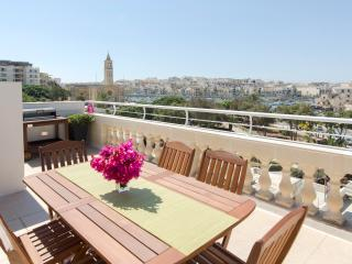 South Lodge Penthouse with Lovely Views By The Sea - Marsascala vacation rentals