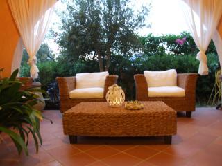 Appartamento in residence con piscina - Villasimius vacation rentals