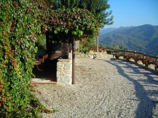 2 bedroom Condo with Internet Access in Florence - Florence vacation rentals
