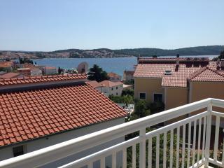 2 bedroom Apartment with Deck in Okrug Gornji - Okrug Gornji vacation rentals