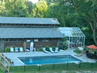 Beach Vacation Home sleeps 7 and close to Newport - Middletown vacation rentals