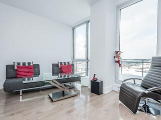 Chic Condo in Old Montreal - Montreal vacation rentals