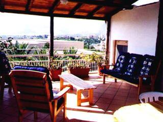 Comfortable 3 bedroom Casteldaccia Villa with Internet Access - Casteldaccia vacation rentals