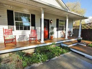 Coloful, cozy home w/soaking tub in Northern Hyde Park! - Boise vacation rentals