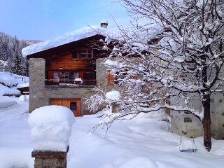 Bright 4 bedroom Chalet in Poschiavo with Mountain Views - Poschiavo vacation rentals