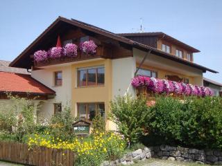 Vacation Apartment in Hopferau - quiet, relaxing, cozy (# 5476) - Hopferau vacation rentals