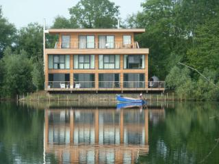 White Willow Lodge, Lakes By Yoo, Cotswolds - Cirencester vacation rentals