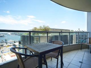 2 bdrm apt in the heart of the CBD - Classic Style - Sydney vacation rentals