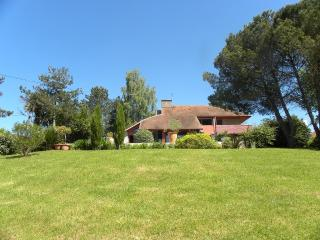 Nice House with Internet Access and Dishwasher - Ogenne-Camptort vacation rentals