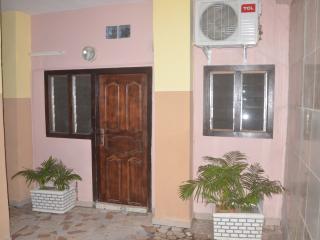 Bright Abidjan Studio rental with Internet Access - Abidjan vacation rentals