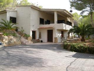 Perfect Villa with Deck and Internet Access - Chulilla vacation rentals
