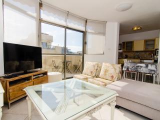 Nakhum Hanavi - Sea View 2 Bed Aptartment - Tel Aviv vacation rentals