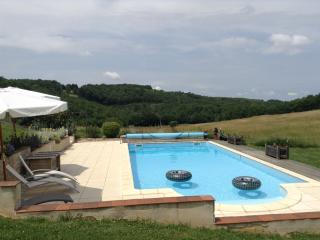 Lovely holiday cottage in SW France for 2 - 4 p. - Anglars-Nozac vacation rentals