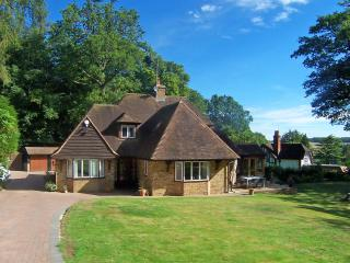 Detached property set within 1 1/2 acres - Amersham vacation rentals