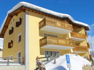 Nice Condo with Deck and Internet Access - Zuoz vacation rentals