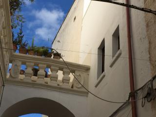 Casetta con volte a stella vicinissimo a Gallipol - Parabita vacation rentals