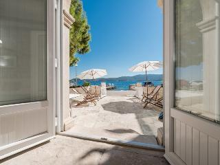 Nice Villa with Internet Access and Tennis Court - Kuciste vacation rentals