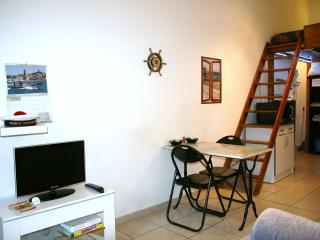 APARTMENT in the heart of the Old Port - Marseille vacation rentals