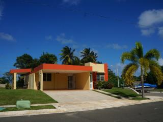 Beach House, Ocean Front & Relaxing Atmosphere - Arecibo vacation rentals