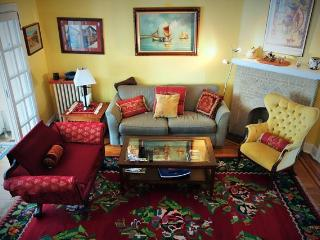 Spacious 3bdrm near JHU, in quiet neighborhood - Baltimore vacation rentals