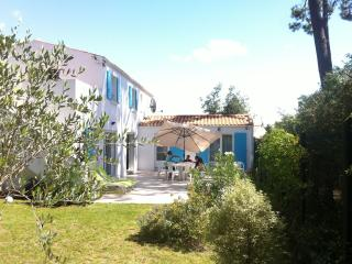 4 bedroom House with Internet Access in Le Chateau d'Oleron - Le Chateau d'Oleron vacation rentals