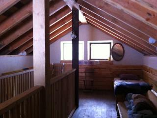 Nice 2 bedroom Kaslo Cottage with Internet Access - Kaslo vacation rentals