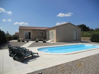 Nice Villa with Outdoor Dining Area and Microwave - Roubia vacation rentals