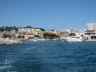 2 bedroom Condo with Internet Access in Saint-Maxime - Saint-Maxime vacation rentals