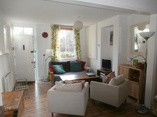 Oxford centre, Victorian terraced cottage Sleep9 - Oxford vacation rentals