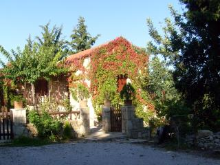 Manoli's House (ground floor 2+1 guests) - Douliana vacation rentals