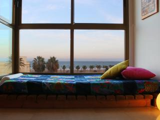 Bright light & Sea views - Valencia vacation rentals