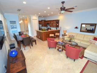 "By The Sea Vacation Villas LLC. ""Vista 39"" Htd Pool + Roof topdeck+walk to beach - Fort Lauderdale vacation rentals"
