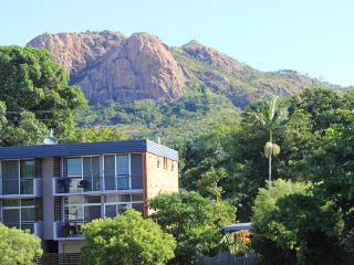 91 Eyre Street - 2 bedroom upstairs apartment - Townsville vacation rentals