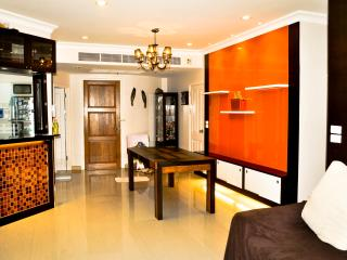 2BR Condo with Superb River/City Views - Bangkok vacation rentals