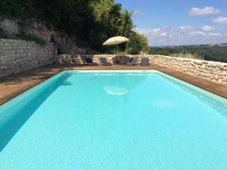 La Belle Vue - Cordes-sur-Ciel vacation rentals