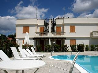 Holiday house with pool to rent in Puglia - SA134 - Santa Maria al Bagno vacation rentals