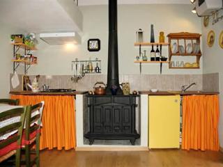 """"""" CASETTA FORTUNA """" ( Chiaro di Luna ) - Celle sul Rigo vacation rentals"""