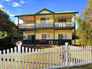 Clem & Tines Vintage Beach House - Binningup vacation rentals