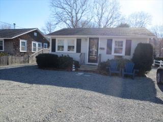 Nice 2 bedroom House in East Falmouth with Internet Access - East Falmouth vacation rentals