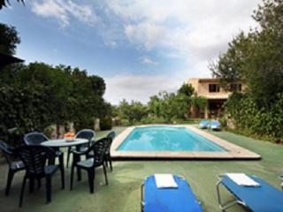 House ideal for Family - Algaida vacation rentals