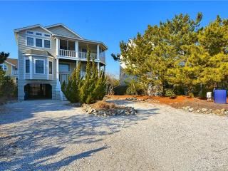 Tastefully decorated 5 bedroom, 4 1/2 bath home located just one house back from the ocean! Amazing views! - Cedar Neck vacation rentals