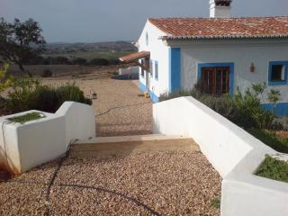 Traditional Country Cottage in Southern Portugal - Garvao vacation rentals