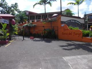 2 Bedrooms apartment x 4 guest,  La Fortuna Arenal - Province of Alajuela vacation rentals