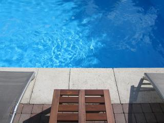 Beautiful House with Internet Access and Dishwasher - Jarnac vacation rentals