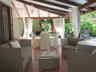 Oceanside Villa: 2 bdrmhome, outdoor ktchn, privat - Guanacaste vacation rentals