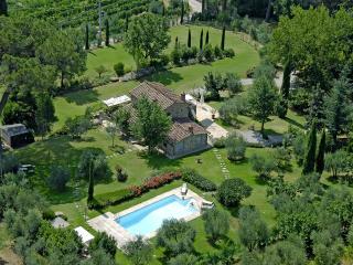Villa Antico Pino charming Uliveto Villa Cortona - Tuoro sul Trasimeno vacation rentals