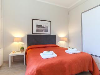 3 Bedrooms Apartment - Sagrada Familia A - Barcelona vacation rentals