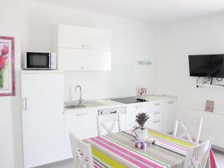 Nice Apartment with Internet Access and Dishwasher - Bol vacation rentals