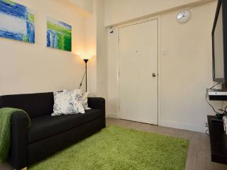 Cozy 2BR for 5ppl close to MK MTR - Hong Kong vacation rentals