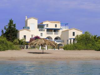Comfortable Studio in Port Heli with Internet Access, sleeps 4 - Port Heli vacation rentals